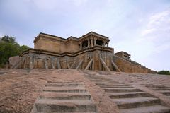 Odegal Basti lub basadi, Vindhyagiri wzgórze, Shravanbelgola, Karnataka Obraz Stock