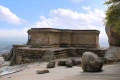 Odegal Basti ou basadi, colline de Vindhyagiri, Shravanbelgola, Karnataka Photos libres de droits