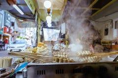 Oden, Tteokbokki, Kimpap - κορεατικά τρόφιμα οδών στοκ φωτογραφία