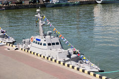 Odesa,乌克兰- 2016年7月03日:在命名仪式的船期间的新的装甲的小船 天乌克兰海军在傲德萨 图库摄影