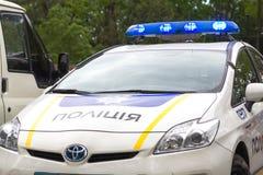 Odesa, Ucrania - 15 de mayo de 2016: Coche patrulla ucraniano de la policía en el parque Imagen de archivo libre de regalías