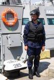Odesa Ukraina - Juli 03, 2016: Militära sjömän near den nya krigsskeppet 'Akerman', Tvingar den ukrainska MARINEN för beröm dag Arkivbild
