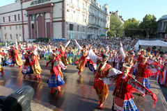 Odessa 24 agosto: Uomini in costumi tradizionali al Na di festival Fotografie Stock