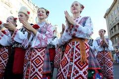 Odessa 24 août : Hommes dans des costumes traditionnels au Na de festival Images libres de droits