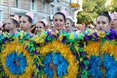 Odessa 24. August: Männer in den traditionellen Kostümen am Festivalna Lizenzfreies Stockfoto