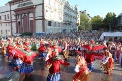 Odessa 24. August: Männer in den traditionellen Kostümen am Festivalna Stockbild