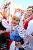 Odessa 24 de agosto: Hombres en trajes tradicionales en el na del festival Imagenes de archivo