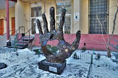 Odessa, Ucrania Vista de una escultura en honor de Steve Jobs imagen de archivo libre de regalías