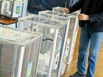Odessa, Ukraina - 31 Marzec 2019: miejsce dla ludzi głosować wyborców w krajowych politycznych wyborach w Ukraina Tajnego głosowa obrazy royalty free