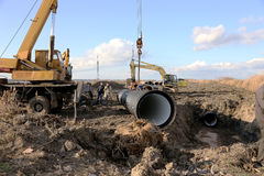 ODESSA, UKRAINE - 9 novembre : Travailleurs ukrainiens sur la construction Photos libres de droits