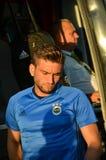 ODESSA, UKRAINE - 15. September 2016: Spieler geht von dem Bus d weg Lizenzfreie Stockbilder