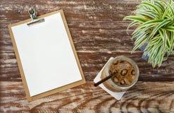 Odgórnego widoku lodowa kawa i puste miejsce menu Zdjęcia Stock