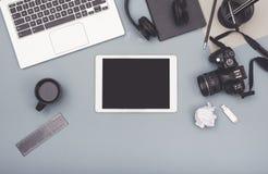 Odgórnego widoku projekta wyczulony biurowy biurko zdjęcie stock