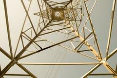 Odgórnego widoku woltażu słupa Formalnie stali wysoka budowa - abstrakta styl Zdjęcia Stock