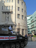 Odgórny przekładnia protest przy BBC Fotografia Royalty Free