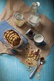 Odgórny widok arachidowi ciastka na błękitny tle Zdjęcie Stock