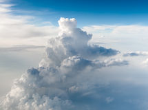 Odgórny widok białe puszyste chmury obrazy royalty free