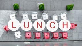 Odgórny widok biali okregów krzesła przy plenerowym z słowem i stół Obraz Royalty Free
