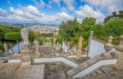 Odgórny widok Braga miasto, Portugalia, od Bomu Jezus robi Monte sanktuarium zdjęcie stock