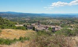 Odgórny widok dachy wioska Mirabel w Ardèche regionie Francja zdjęcie stock