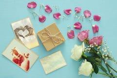 Odgórny widok fotografii kolekcja, teraźniejszość pudełkowate następne róże Fotografia Royalty Free