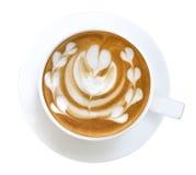 Odgórny widok gorącej kawowej latte sztuki kształta kierowa piana odizolowywająca na wh Obraz Stock