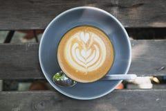 Odgórny widok gorąca latte kawa Obrazy Royalty Free