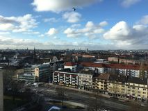 Odgórny widok Hamburg od sławnych Grindel Highrise budynków Grindelhochhäuser fotografia royalty free
