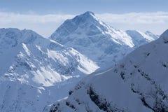 Odgórny widok Kaukascy góra szczyty zakrywający śniegiem Fotografia Royalty Free