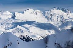 Odgórny widok Kaukaskie śnieżne góry Zdjęcia Royalty Free