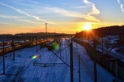 Odgórny widok kolejowa zajezdnia z frachtowymi samochodami obraz royalty free