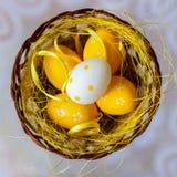 Odgórny widok kolorowy Easter jajek zakończenie dekoracje świąteczne Dla wzoru, tapeta, sztandaru projekt, tło Obrazy Stock