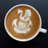 Odgórny widok kubek latte sztuki kawa Fotografia Stock