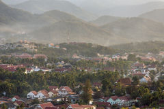 Odgórny widok Luang Prabang od Phousi góry Zdjęcie Royalty Free