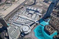 Odgórny widok na Dubaj śródmieściu od wysokiego budynku w Zdjęcie Stock