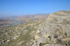 Odgórny widok na ruinach stary miasto Uplistsikhe blisko Aragvi rzeki doliny Kaukaz region, Gruzja Obraz Royalty Free