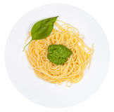Odgórny widok na spaghetti z pesto Fotografia Stock