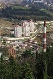 Odgórny widok nowy sąsiedztwa Jan fabritsiusa: wzrostów wieżowowie obok produkcja budynków i domy Miastowy Zdjęcia Stock