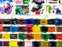 odgórny widok otwarty pudełko z setem akwarela maluje obraz stock