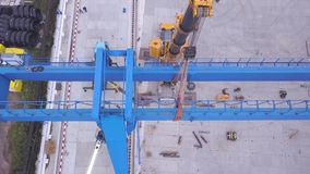 Odgórny widok remontowy kętnara żuraw klamerka Zgromadzenie żuraw na budowie zbiory