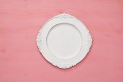 Odgórny widok rocznika bielu pusty talerz Mieszkanie nieatutowy Obraz Royalty Free