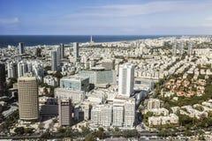 Odgórny widok Tel Aviv od obserwacja pokładu round basztowy Azriel centrum Fotografia Stock