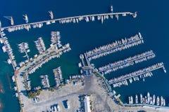 Odgórny widok wielki jachtu marina Zdjęcie Stock