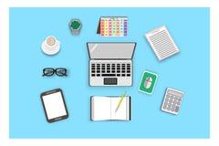 Odgórny widok z laptopem i akcesoriami dla pracy w biurze - wektor Zdjęcia Stock