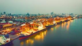 Odgórny widok zbiornika statek w biznesie i beli eksportowym i importowym Fotografia Royalty Free
