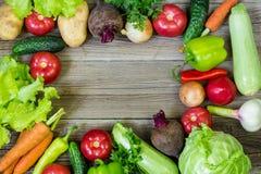 Odgórny widok zdrowy karmowy tło z kopii przestrzenią Zdrowy karmowy pojęcie z świeżymi warzywami zdjęcie royalty free
