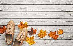 Odgórny widok na kobieta spadku butach Obrazy Stock