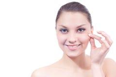 Odizolowywająca skóry opieka i piękna młoda kobieta Obrazy Stock