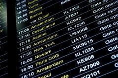 Odjazdu lota ewidencyjny rozkład w lotnisku międzynarodowym Zdjęcia Stock