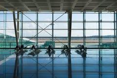 Odjazdy przy lotnisko lobby obraz stock